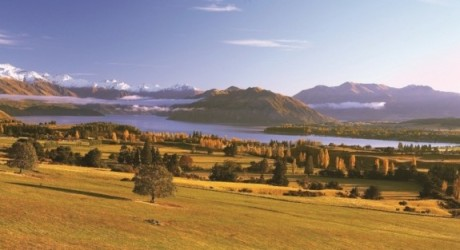 Lake Wanaka in autumn