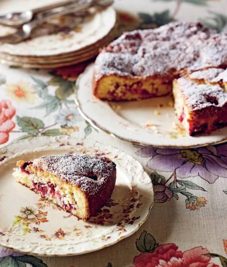 Raspberry and Coconut tea cake