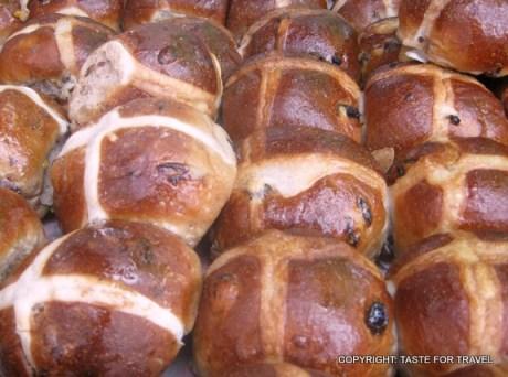Croquembouche hot cross buns Orange Grove markets (2)