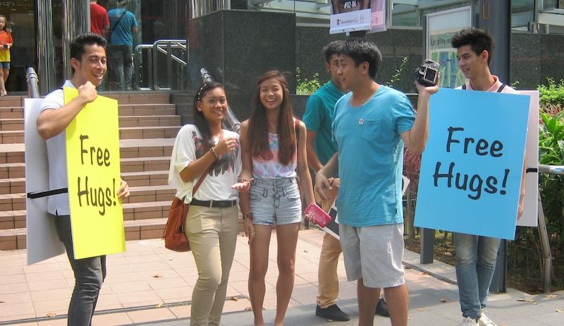Free Hugs in Singapore