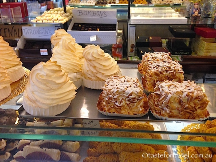 Pastries and desserts at Pastissiera Ideal