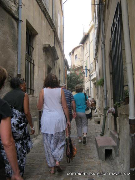 Narrow cobble-stoned streets of Arles
