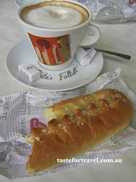 Brioche et cafe au lait, Arles