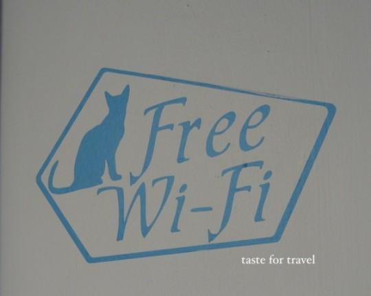 Free cafe wifi in Mykonos, Greece