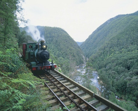Tranz Alpine train near Greymouth