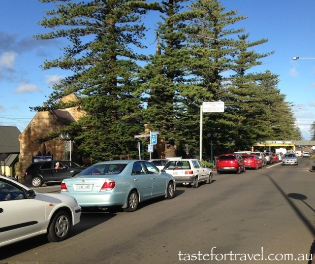 Terralong St traffic