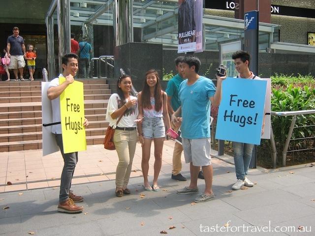 Free Hugs, Singapore