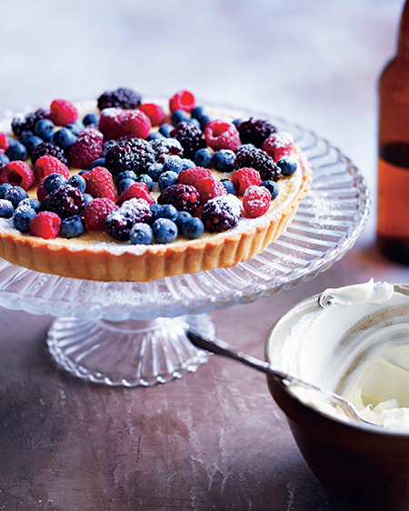 The-Art-of-Traditional-Italian-berry-and-mascarpone-tart