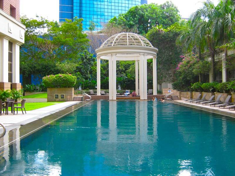 Pool at Orchard Parksuites